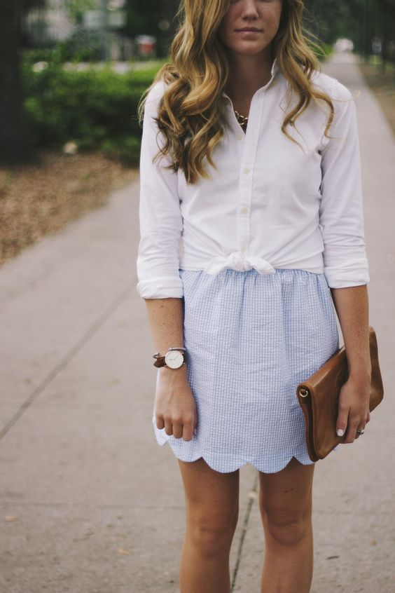 Is it just me, or is literally everyone wearing white button down shirts all the time? Of course, a white button down is and probably always will be a classic closet staple, but I definitely feel like I've noticed many more of them than usual lately. White button downs are usually saved for business casual outfits, a preppy spring/summer look, layering, or something slightly more formal.