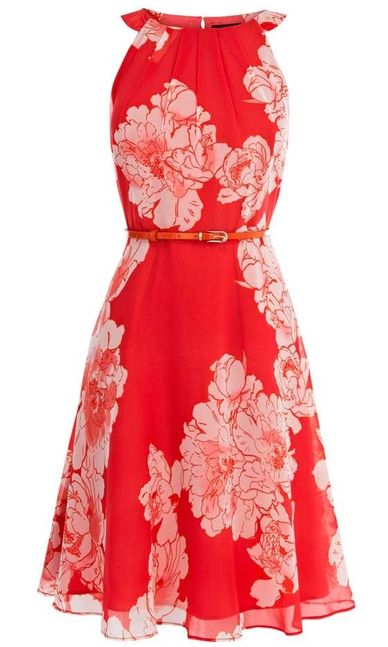 I don't usually like red or flower print dresses...yet I really like this