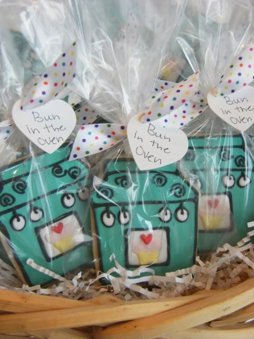 Bake at 350: A Bun in the Oven - Baby Shower Gift Treats! So cute!!