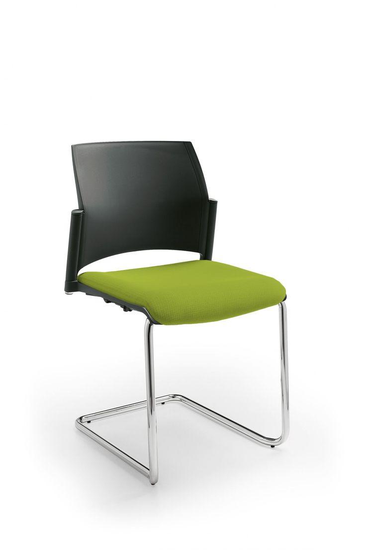 Стул  START радует глаз своим дизайном. Вам нравится удобный стул на полозьях или 4-х ножках? У Вас есть выбор! Cтул START может быть с подлокотниками и без черного или белого цвета, изготовлен из высококачественного пластика. Цвет пластика: белый и черный. Спинка и сиденье могут быть обиты тканью. Широкий выбор обивочных материалов и цветовых решений.