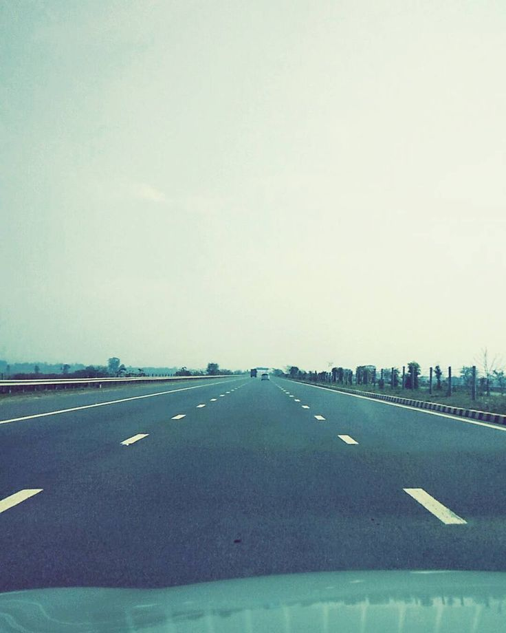 An end is what gives the beginning a meaning.  #roadtrip #delhi #india #uttarpradesh #highway #peaceful #serenity #roads #snapchat #vsco #vscocam #newdelhi #vscoindia #vscodelhi #life #love #music #igers #igersoftheday #igersdelhi #igersindia #pixlr #500px #boys #longdrive