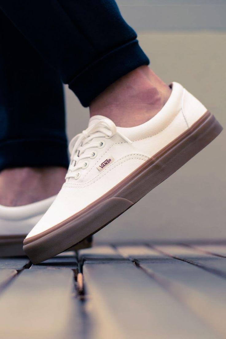 True white & gumsole #vans #era #sneakerculture