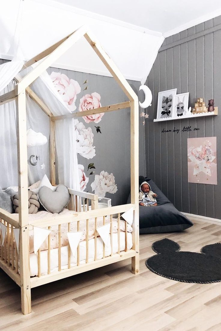 Inspiration from Instagram - Jeanette Sandvik @jeanettesandvik - pastel girls room ideas, pink and grey girls room design, girls kidsroom, kidsroom decor, nursery decor, nursery design, nursery, kids interior, kids room design