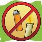 No encienda fósforos, velas ni yesqueros