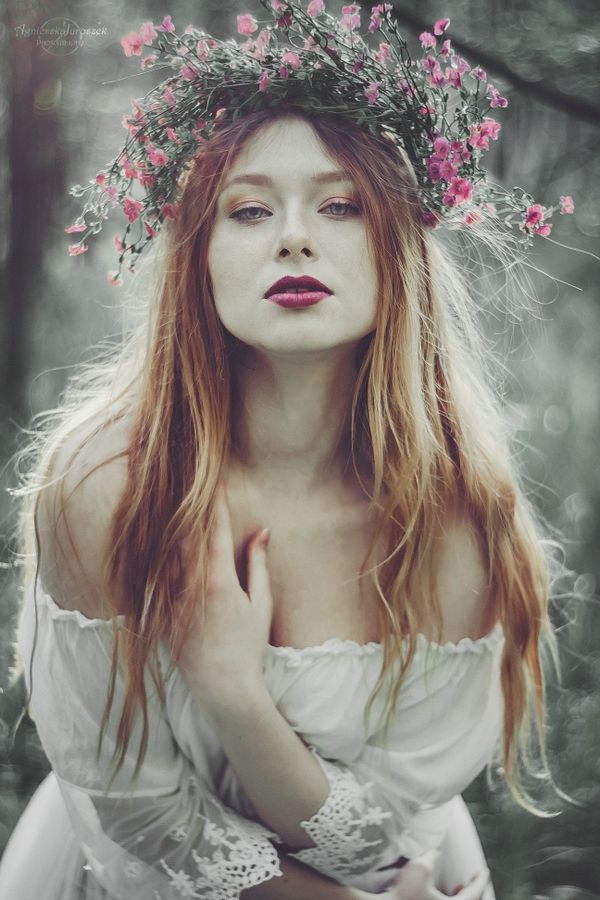 Świtezianka | Agnieszka Juroszek Photography |    Model: Adrianna Brzozowska | girl, flowers,  colors, spring, portrait, delicate, beauty, forest, fairy, magic, white dress