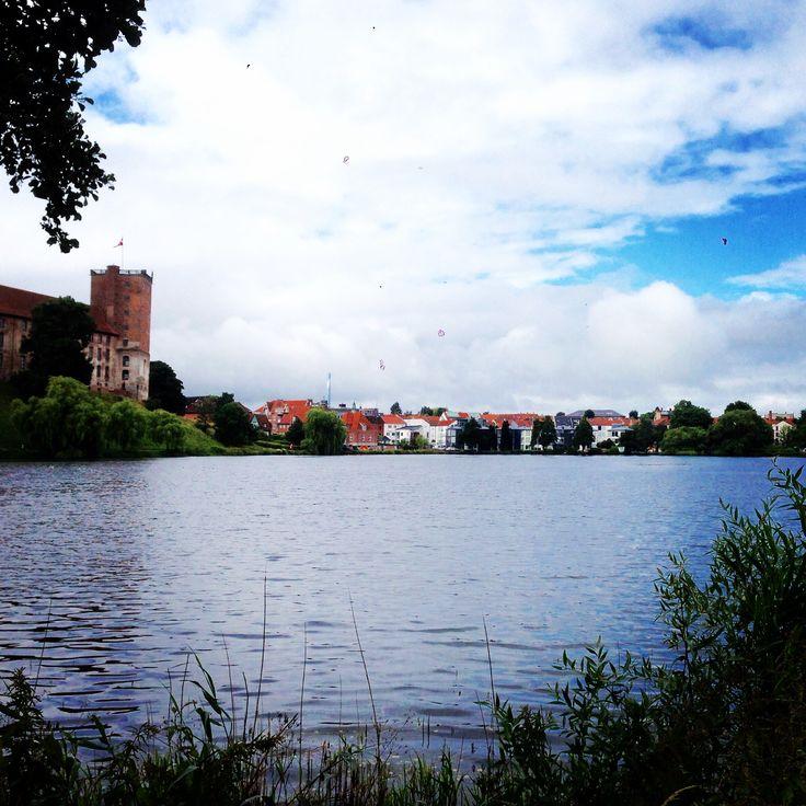 Kolding, søen, Koldinghus. Danmark.