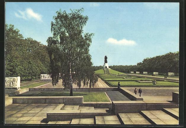 ak berlin friedrichshain sowjetisches ehrenmal treptow old berlin postcards pinterest. Black Bedroom Furniture Sets. Home Design Ideas
