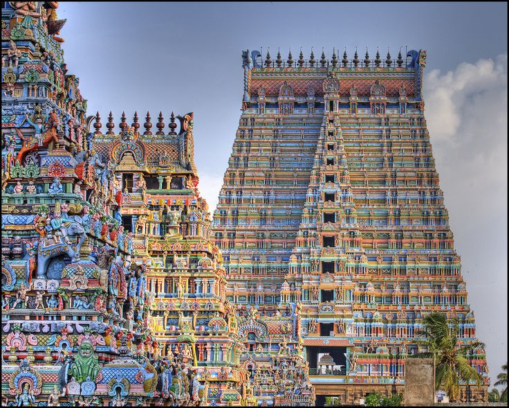 ‪#‎MeenakshiTemple‬ is dedicated to goddess ‪#‎Parvati‬ and is located in ‪#‎Madurai‬, ‪#‎Tamilnadu‬. Visit- http://bit.ly/25LeWGt ‪#‎travel‬ ‪#‎ttot‬ ‪#‎India‬