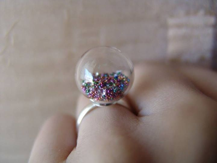 This is the Treasure inside Ring!   Amazing plus Fun to watch! Look at those COLORS!   #diy #handmade #rings