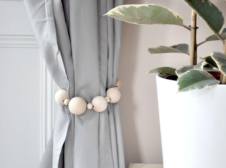 Gorgeous, tactile, DIY wooden bead tie-backs.