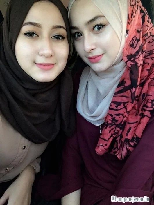 Pretty Indonesian Muslimahs