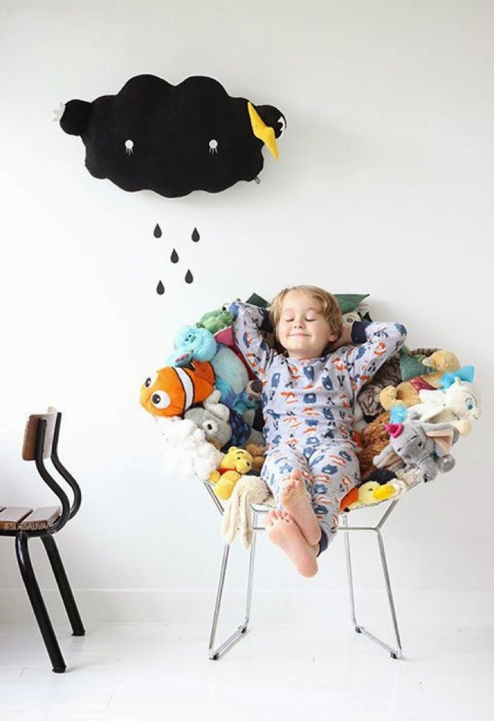 now you can make a chair to sit on all your stuffies, promise it wont hurt them. from... Rafa-kids : DIY - recycle your plushes