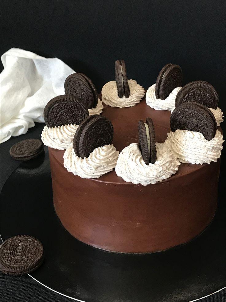 """Торт """"Орео"""" Влажные шоколадные бисквиты, которые пропитывает вкуснейший сырный крем с крошкой орео, а между кремом нежнейший чизкейк. Это очень вкусно))) #мастерскаядомашнихлакомств #оксанабарчева #торторео #ореоторт #орео #чизкейк #чизкейкмелитополь #вкусныйторт #шоколад #шоколадныйторт #ганаш #тортмелитополь #фудфото #фудпорн #melitopol #cake #cakes #cakedesign #cakeinstagram #cheesecake #oreo #cakemagazine #food #foodporn #foodfoto #foodiegram #foodphotography #foodblogger #yummy…"""