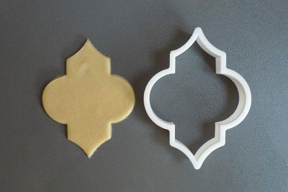 Quatrefoil plaque cookie cutter