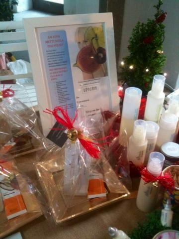 """Vuoi donare qualcosa di davvero unico quest'anno? Regala a te e ai tuoi cari """"FRESCHEZZA NATURALE"""" per Natale! Gli ordini pervenuti entro il 16 dicembre (ore 10.00) verranno consegnati entro il 24 dicembre per poter essere puntuali sotto l'albero di Natale (Valido per gli ordini dall' Italia) Shop on line qui --->http://www.ringana.com/it/918524/"""