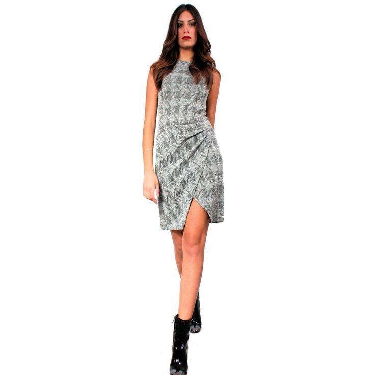 Φόρεμα αμάνικο μύτη κάτω 70%Visk-25%Cot-5%Lycra