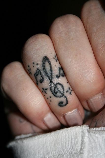 I *heart* finger tats