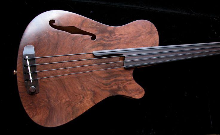 Rob Allen Mouse 30 Fretless Electric Bass Guitar