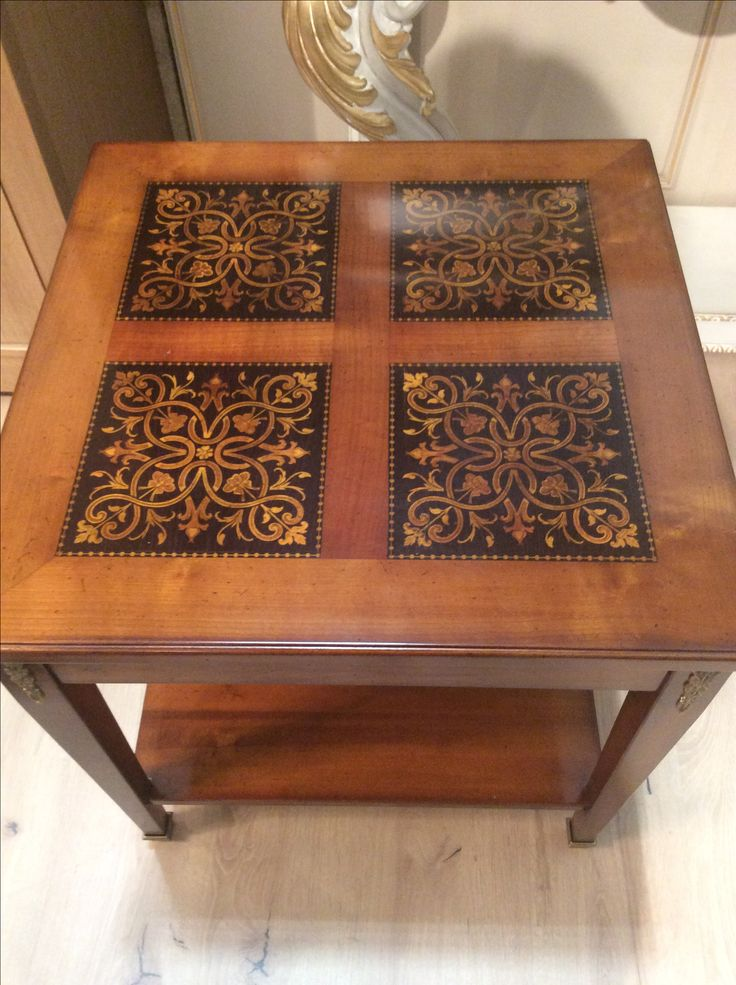 Small coffe table arvestyle inlaid by hand