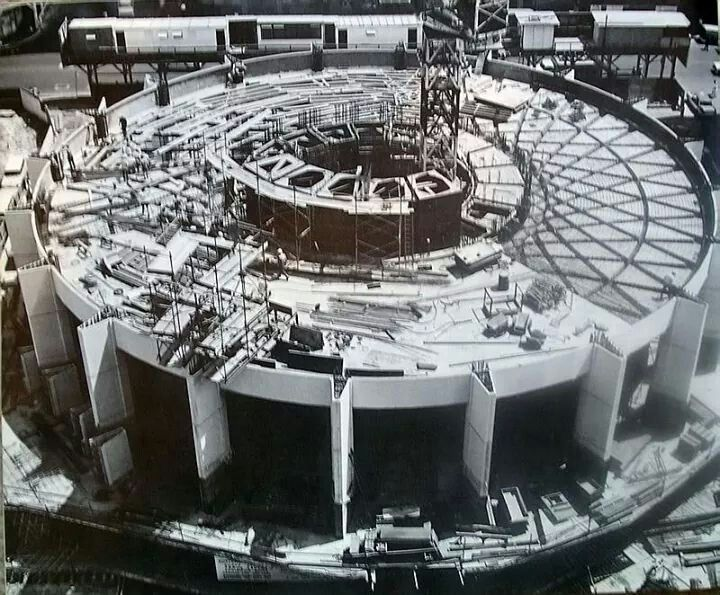 Building Australia Square in Sydney in 1965.A♥W