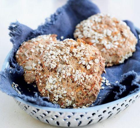Fuldkornsboller med havre drys