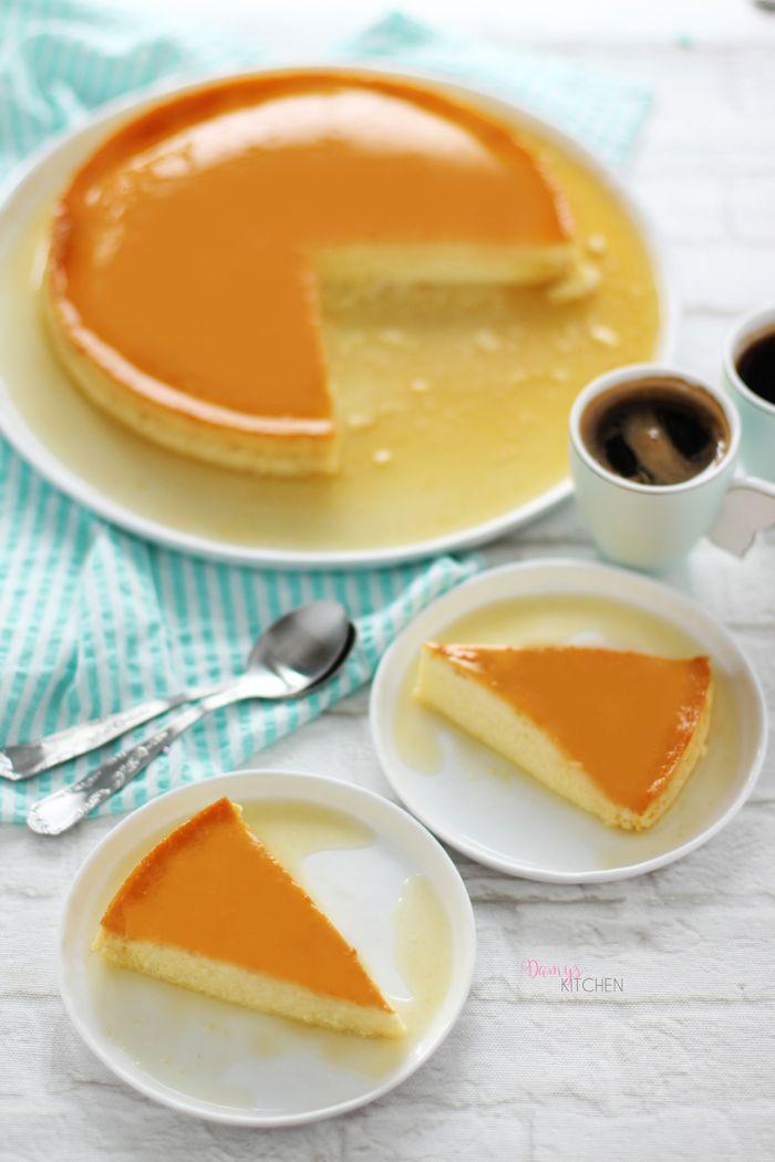 Fazlasıyla hafif, karamel severlerin yüzünü gülümsetecek bir sütlü tatlıyla geldim! :) Pürüzsüz dokusu, vanilyalı karamelli o mükemmel le...
