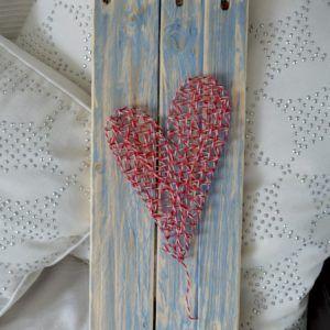 string art 1 coeur sur palettes recyclées