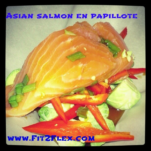 Asian Salmon en Papillote - healthy and easy! by @CarissaAnneB #fitfluential