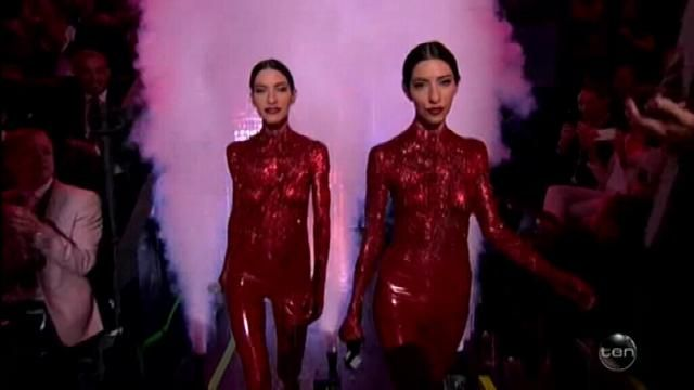 ARIAs 2016: The Veronicas perform topless and covered in body paint.