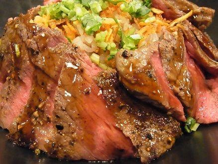 国産牛ステーキ丼専門店 佰食屋