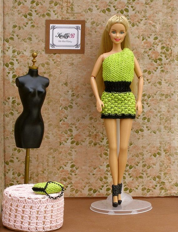 Bright Green Knit Barbie Dress and Black Shoes. by KnittyforB