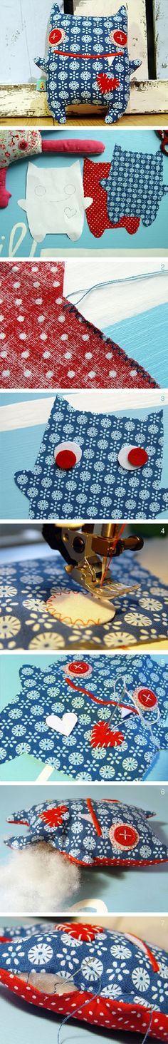 DIY kostenlose Nähanleitung: Kuschel-Monster von RevoluzZza, Kuscheltier // DIY free sewing tutorial: cuddly toy, stuffed animal, monster via DaWanda.com
