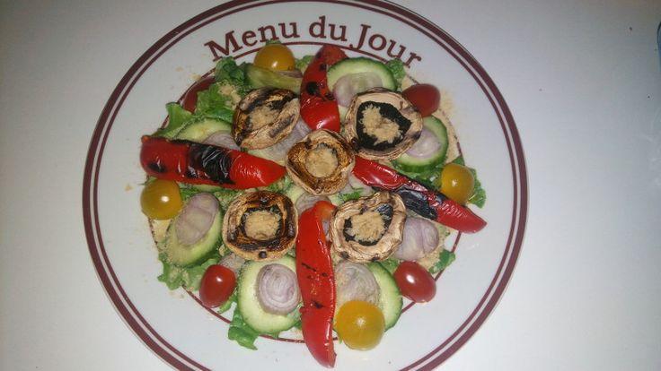 Dieta Rina-Ziua 34-Vitamine – Andreea's Blog – My New Blog – Nu a fost o zi prea usoara pentru ca am avut de lucru toata ziua la situri,multi nervi si stress si o senzatie de foame sau mai bine zis pofta de mancat prostii,cred ca e prima oara cand mi se intampla de cand am inceput dieta,dar am invins posfta si senzatia ,nu am mancat nimic gresit sau in... #dietarina #meniurinavitamine #rina