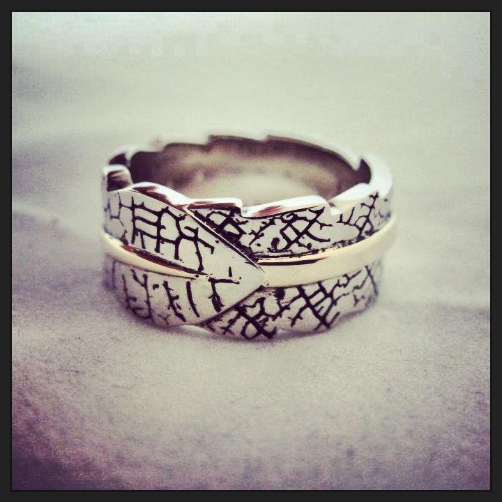Leaf skeleton ring . Custom made Jewellery by seventysixdesign