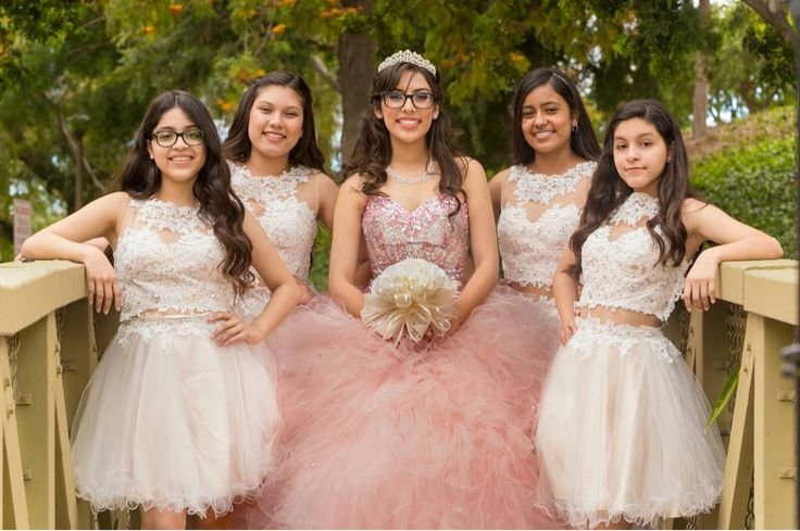 Quinceañera photography with damas
