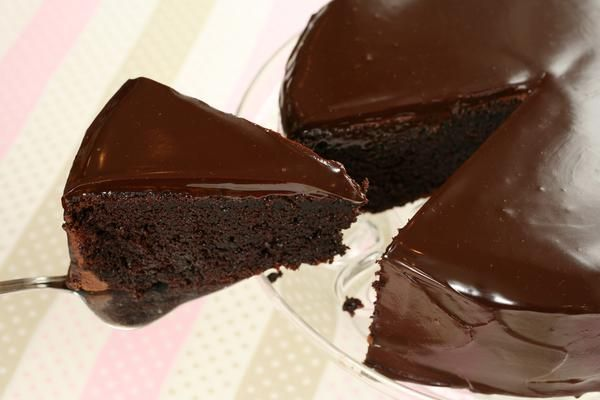 Makes 1 X 23cm Cake New York Caterer Serena Bass Says This Cake Takes Less Time To Make Than It Doe Delish Cakes Chocolate Frosting Recipes Dessert Recipes