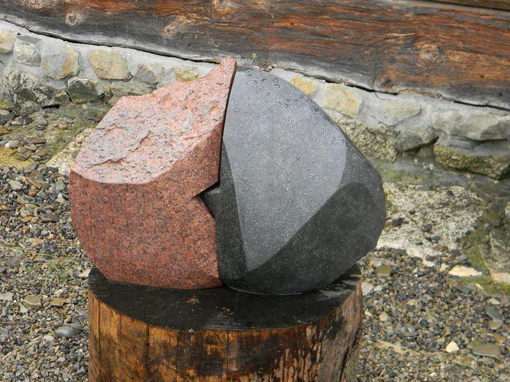 """JANUSZ CZUMACZENKO, """"Pogodzeni"""" granit"""