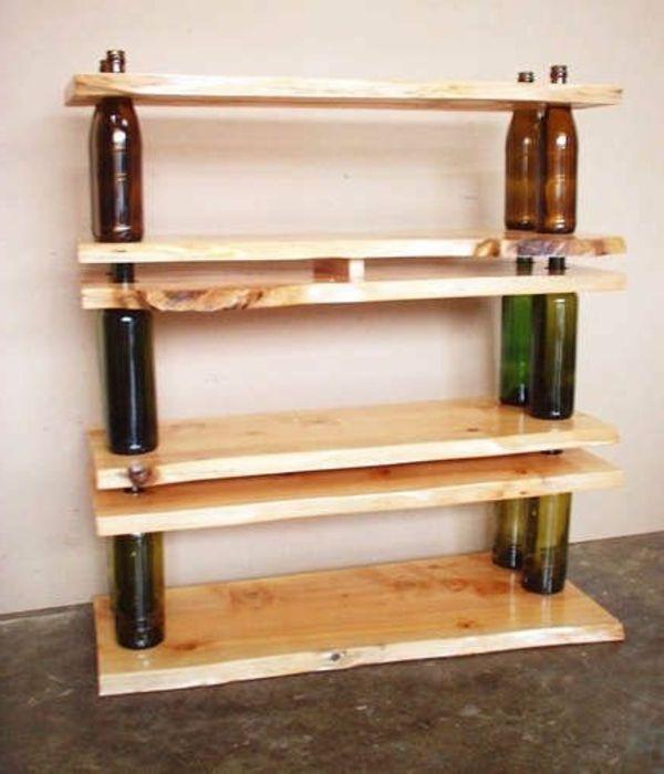 bücherregal-selber-bauen-super-interessante-idee- mit flaschen gemacht