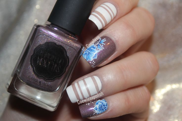 Nail art and negative space tips