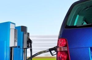 MOBILITA' SOSTENBILE - AUTO AD IDROGENO: L'idrogeno può essere impiegato in un motore in sostituzione della benzina, con il notevole vantaggio di emettere allo scarico vapore acqueo anziché CO2 e altri inquinanti (CO, idrocarburi, incombusti, particolato) WWW.ORIZZONTENERGIA.IT #Mobilita, #MobilitaSostenbile, #AutoIdrogeno, #Idrogeno, #FuelCell, #VettoreIdrogeno, #Sostenibilita, #SostenibilitaAmbientale, #EfficienzaEnergetica, #AutoadIdrogeno, #EnergiaAlternativa