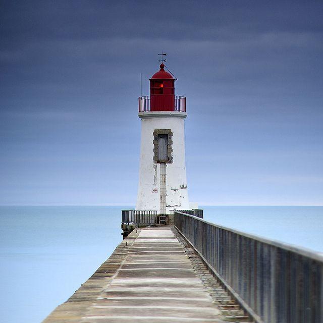 Le phare rouge - Les Sables d'Olonne - Vendée - France by emvri85 http://www.tourisme.fr/651/office-de-tourisme-les-sables-d-olonne.htm