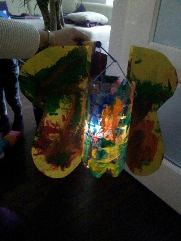 Vlinder lampion.. Ideaal om kindjes onder de 2 zelf een lampion te laten maken ;)