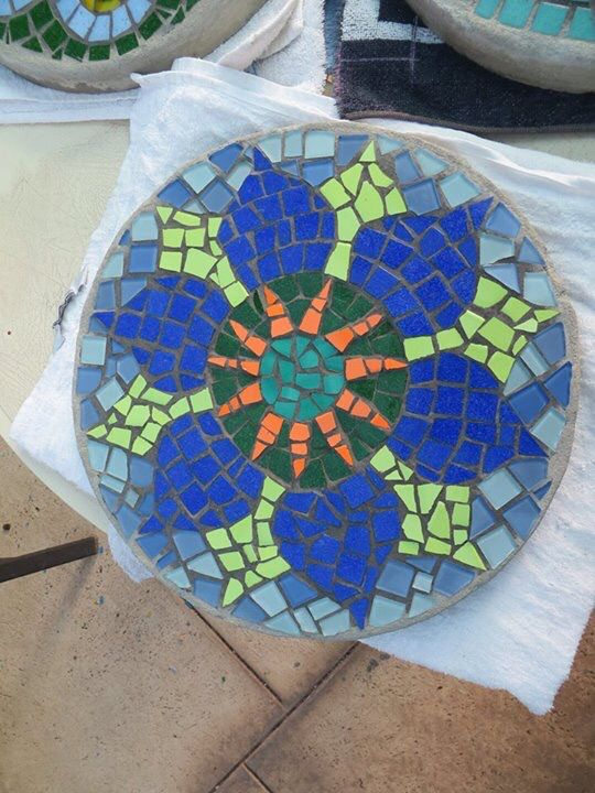 302 Best Images About Mosaic Stepping Stones On Pinterest