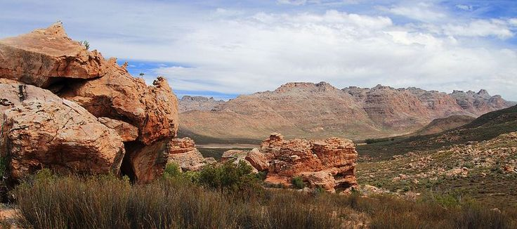 Majestic mountains of South Africa – Blog – South African Tourism     Malutis