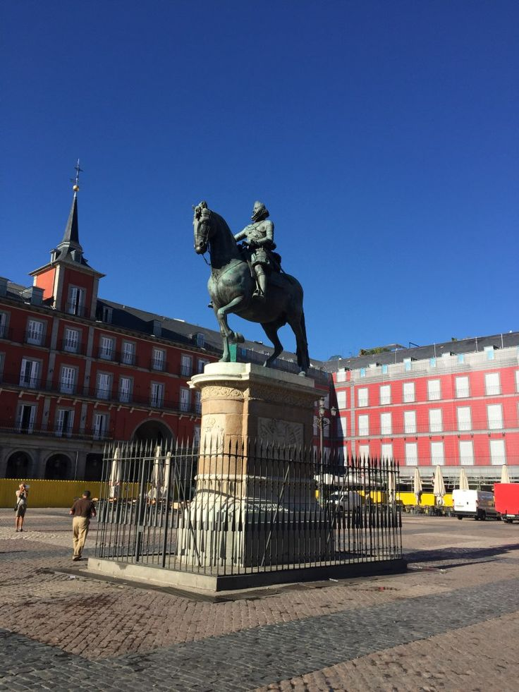 Plaza de Mayor in Madrid. It just took me one day to fall in love with this beautiful city. Click to read all about what I did in 24 hours on Passport and Plates!