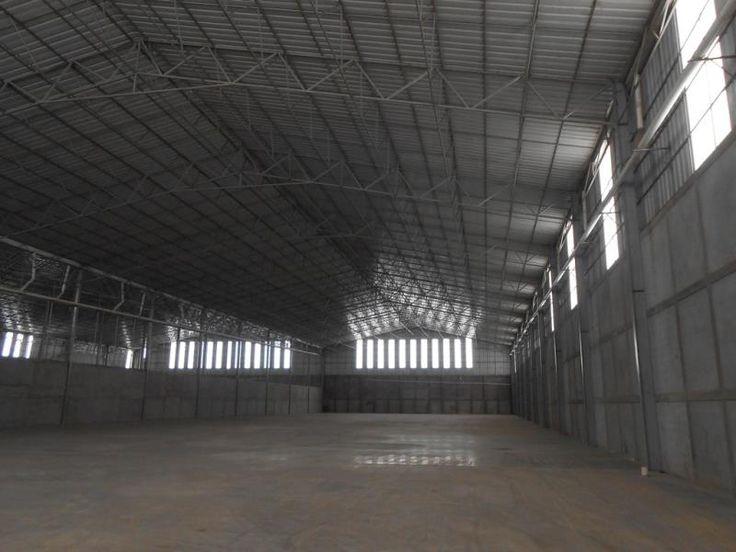Bodega  seminueva en renta de 8000 m2 de área techada, mas patio de maniobras y estacionamiento en Miguel Hidalgo, $540,000 *MX17-DJ2410*