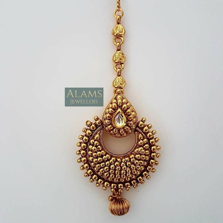 • ***NEW COLLECTION*** Stunning maang tikka. £10 with free postage and packaging. Please DM with your enquiries. #alamsjewellers #jewellery #indianjewelley #asianjewellery #indianbride #bangladeshibride #gold #bangles #mala #necklace #tikka #tikli #earrings #jhumar #hudabeauty #zukreat #vintage #antique #mua