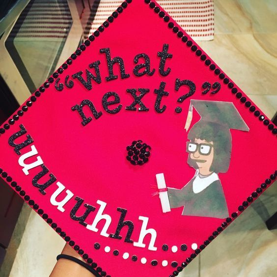 Graduation is almost here! So ladies, grab your glitter pens, your favorite adult beverage, and get to decorating! graduation outfit ideas 15 Cap Deco...