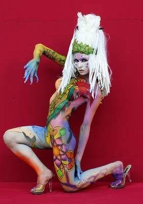 https://flic.kr/p/mVS9m5   bodypainting   Los colores para la pintura corporal son sólidos para pintar con pincel, brocha, esponja o dedos mojados, pero después de diluido se puede usar con el aerógrafo. Los colores se diluyen con agua y también con agua se quitan. Las pinturas aquí: aerografia-fengda.es/es_ES/c/Pintura-facial-y-corporal-Bo...