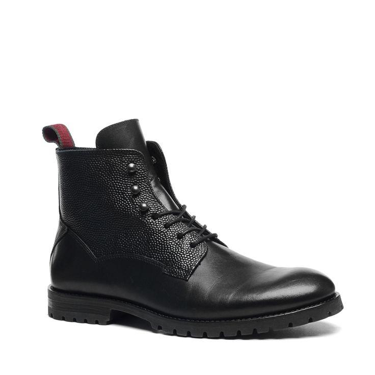 Zwart hoge veterschoenen  Description: Zwart hoge veterschoenen van het merk Manfield. Bijzonder aan dit model is dat er aan de zijkanten een subtiel motiefje zit in het leer. De rest van de schoen is van glad leer. Combineer de veterschoenen voor een casual look met jeans en een T-shirt. Is dit iets te casual voor jou? Combineer de schoenen dan met een pantalon en een blouse.  Price: 129.99  Meer informatie  #manfield